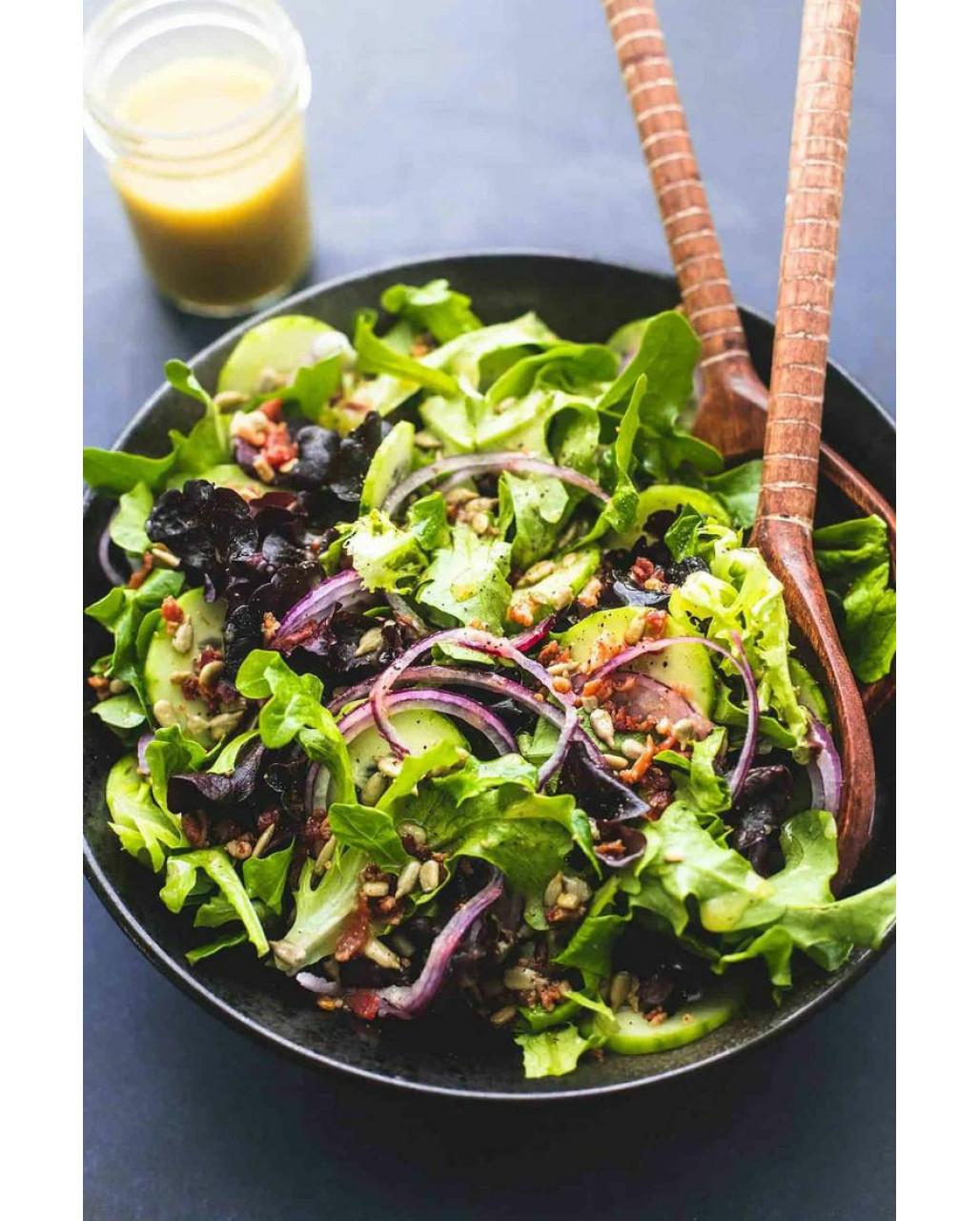 Не ріжте, а відразу їжте сезонну зелень
