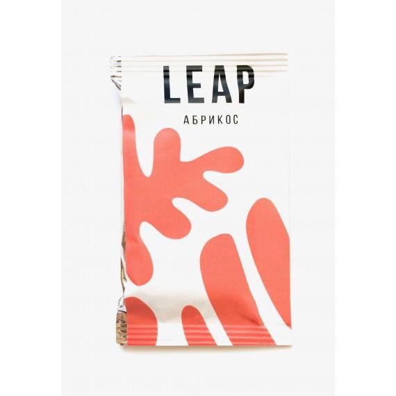 Фруктово-горіховий батончик Leap абрикос, 45г
